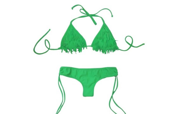 Bikini con flecos.
